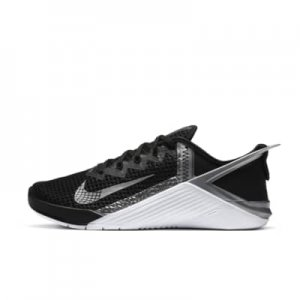 Nike Metcon 6 FlyEase Women's Training Shoe.